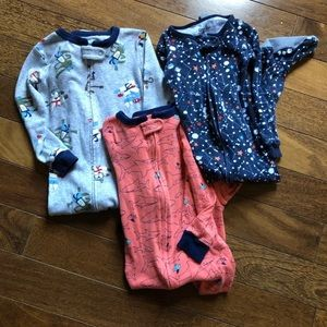 Baby boy pajamas bundle of 3, size 24 months